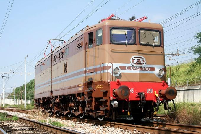 Locomotiva Elettrica Gruppo E.645 Unità 090