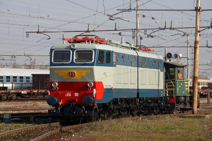 Locomotiva Elettrica Gruppo E.656 Unità 001